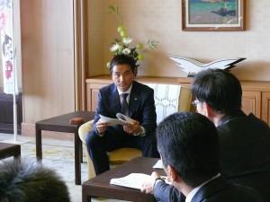 村岡嗣政知事2